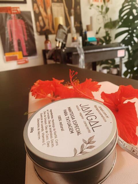 avaliação julia manteiga 100% natural para tatuagem de qualidade